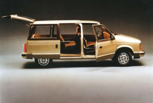 1984_Dodge-Caravan_1984-03.jpg