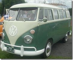 '66_Volkswagen_Kombi_(Auto_classique_St._Lazare_'10)