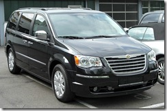 Chrysler_Grand_Voyager_V_front_20100508