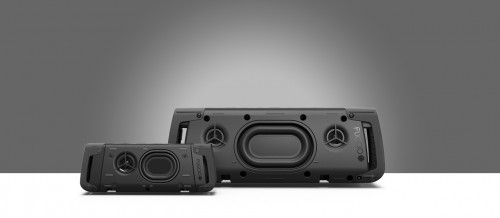 The Fugoo XL Core-X component has significantly larger mid/woofers and passive radiators.